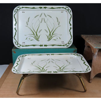 Pair of Vintage Lap TV Trays . Green Wheat on White Design . Breakfast in Bed . 1960s TV Dinners . Mid Century
