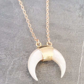 Double Horn Necklace, Gold Double Horn Necklace, Gold Horn Necklace, Crescent Horn Necklace, Gold Crescent Necklace, Double Horn Crescent