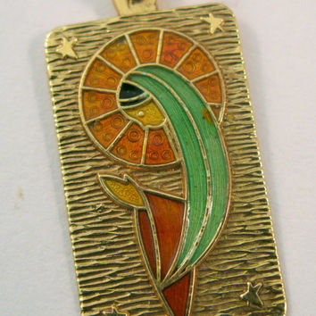 Gorgeous Vintage 18k Yellow Gold Enameled Pendant with Madonna - Virgin Mary - Charm