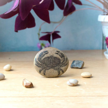 Crab - Crab Decor - Crab Art - Beach Decor - Sea Decor Crab - Beach pebble decor - Beach Stones - River Rock - Crab Gift - Sea Art