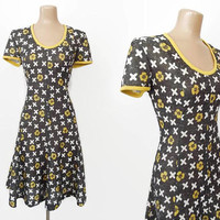 Vintage 70s Skater Dress | 1970s Short Dress | XOXO Novelty Dress | Hugs & Kisses | Gored Swirl Sweep | Scoop Neck Dress | Fred Rothschild