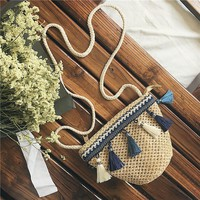 ADIYATE Weave Tassel Beach Bag Cheap Women Bags Small Ladies Shoulder Bags Tassel Beach Bag Clutch Bolsa Feminina Bolso Mujer