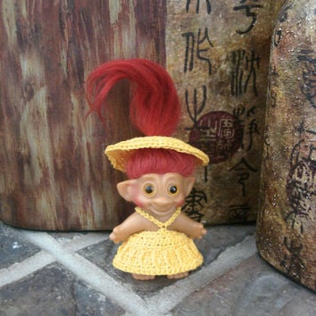 "Handmade Crochet Troll Outfit Dress Undies & Hat Yellow Clothes fit 2.5"" - 2.75"" vintage trolls"