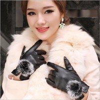 2018 Female Gloves Rabbit Fur Ball PU Leather Gloves For Winter Gloves Brand Women's Mittens Luvas Women Gloves guantes mujer