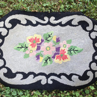 Hand Hooked Rug, Handmade Wool Rug, Floral, Oval Black & Gray Cottage Chic  23 x 35