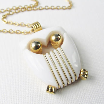 White And Gold Owl Pendant, Vintage Trifari White Owl Necklace, Large Owl Pendant, Rare Vintage Jewelry, Vintage Owl Necklace