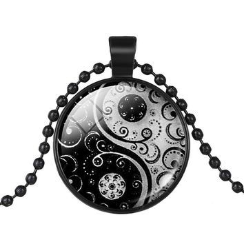 Fashion Unisex 1pcs Black Color Chain Black White Ching Bagua Tai Chi Ying Yang Best Friend Pendant Collar Necklace Jewelry 2018
