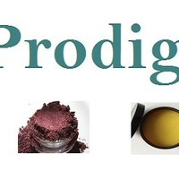 Mineral Shading Brush and Mineral Shaping Brush all in one. Body Prodigy LLC also carries and Ultra Soft Kabuki Brush.