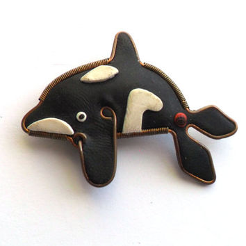 Vintage Killer Whale Brooch Clay Orca Artisan Made Wire Spring Frame Cute Sea Life Ocean Fish Mammal Free Willy
