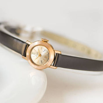 Very small woman watch Ray, women's watch gold plated tiny, lady's wristwatch round unique, petite women's watch, premium leather strap new