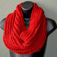 Hand Crocheted Neck Warmer. Unisex Neck warmer. Fall and Winter Fashion