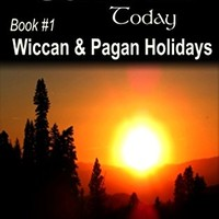Amazon.com: Wiccan & Pagan Holidays: An Easy Beginner's Guide to Celebrating Sabbats and Esbats (Living Wicca Today Book 1) eBook: Kardia Zoe: Kindle Store
