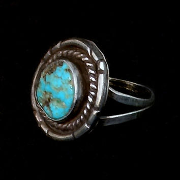 OLD PAWN Vintage Native American Navajo RING Turquoise Sterling Silver Round Snake Motif Size 8 c.1940s