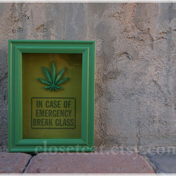 Marijuana Leaf - In case of emergency - pot, weed, cannabis, mary jane, adult gag gift student, geekery gift, rusteam