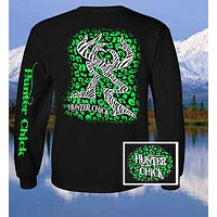 Country Life Outfitters Hunter Chick Black & Green Cheetah Deer Head Hunt Vintage Long Sleeve Bright T Shirt