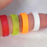 Simple rubber band ring, toe ring, neon colors