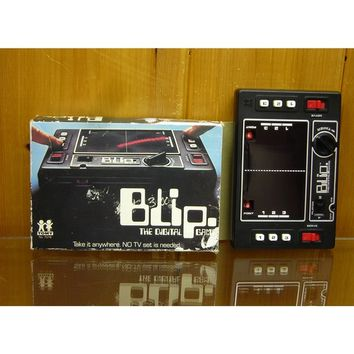 Retro 1977 Blip Electronic Game Tomy Toys w/Box Hand Held Electronic Game
