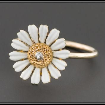 ON SALE Antique Pin Conversion Ring | 10k Gold & Diamond Daisy Ring | Diamond Daisy Fl