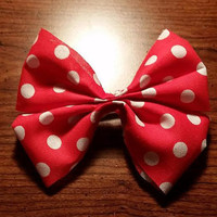 Minnie Mouse inspired Disney hair bow