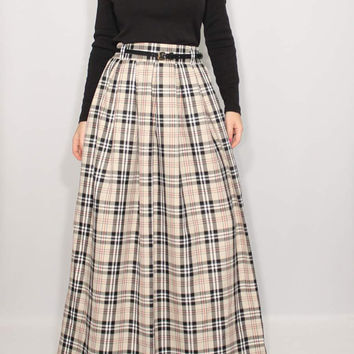 High waisted long skirt Pleated skirt with pockets