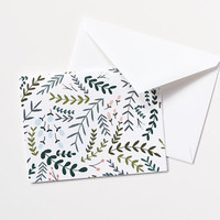 Floral Notecard Set of 8 | Folded Illustrated Notecards with Hand Drawn Botanical Pattern: Garden Wreath Collection