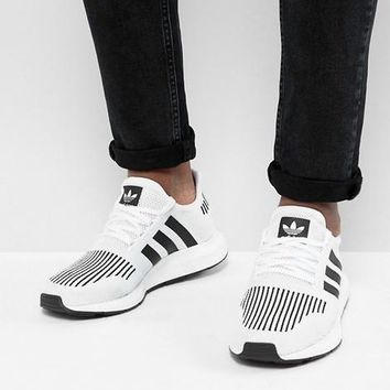 adidas Originals Swift Run Sneakers In White Fashion casual sports shoes-2
