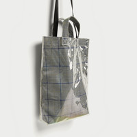 CHECKED TOTE BAG DETAILS