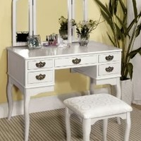 Furniture of America Matilda Chippendale Style Vanity and Stool Set, White