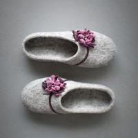 Felted slippers Women house shoes Grey clogs with purple pink flower Natural gray organic wool clogs Eco friendly home shoes Women slippers