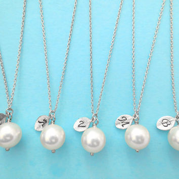 Set of 7 Bridesmaid, 10mm, Pearl, Initial, Necklaces, One, Pearl, Necklace, Single, Pearl, Pendant, Necklaces, 7 Bridesmaids, Necklaces