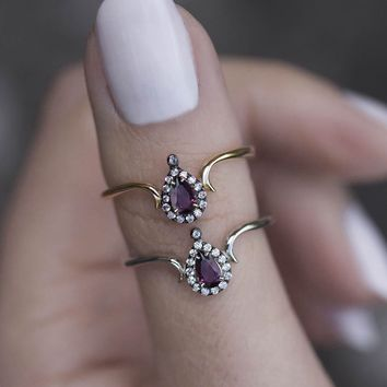 MONTAGUE. Amethyst Teardrop Gold Ring – REGALROSE