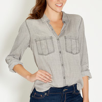 chambray button down shirt in gray wash