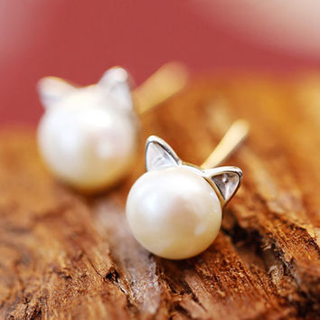 Cute Kitty Pearl Fashion Earrings - LilyFair Jewelry