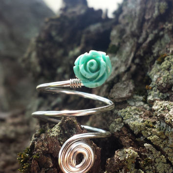 Silver Spiral Ring with Mint Rose