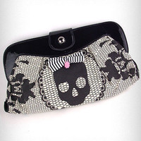 Lacey Days Skull Clutch | PLASTICLAND