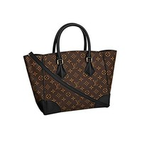 Authentic Louis Vuitton crossbody  handbag  Classic  Simple  Wanelo  ladies  fashion Best Seller formal Monogram Canvas Phenix MM Bag Handbag Article: M41542 Made in France