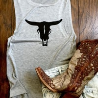 Country Cow Longhorn Skull - Flowy Scoop Muscle Tee