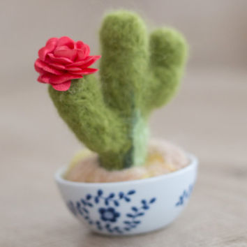 Needle Felted Cactus Decor- Desert Decor- Needle Felted Cactus Knick Knack- Needle Felted Pincushion- Desert Decoration- Personalized Gift