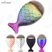1pc Mermaid Foundation Brush Fish Scale Makeup Brushes Professional Foundation Powder Blush Brush Fishtail Cosmetic Brush