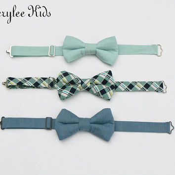 Dusty Shale Boys Bow Tie, Dusty Blue Boys Bow Tie, Navy Blue and Sage Green Bow Tie, Toddler Bow Tie, Wedding Ring Bearer