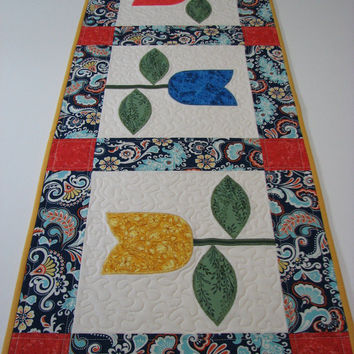 Quilted Table Runner , Tulip Table Runner , Springtime Table Runner , Appliqued Table Runner