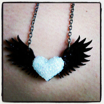 "Winged Hear Necklace with signature Sugar & Speisz ""PUFFY HEART"""