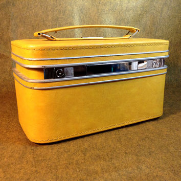 Samsonite Yellow Fashionaire Train Case -With Removable Tray -  No Key - Vintage Style