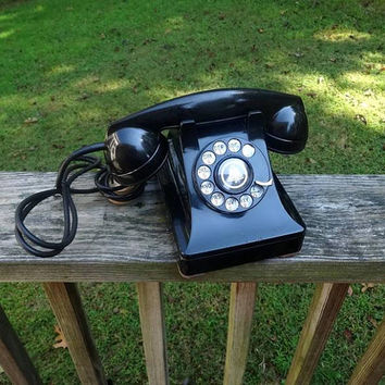 1946 Vintage Rotary Dial Telephone in Black by Bell System, Western Electric, Mid Century Decor, Good Condition, Vintage Phone, Vintage Tech