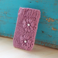 Knitted iPhone case in purple, phone sleeve, phone cover, knit phone cozy