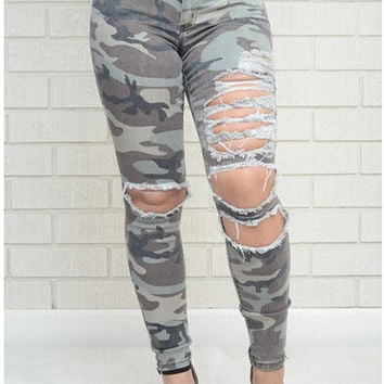 Ripped Holes Camouflage Slim Jeans [6048136961]