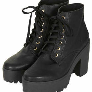 ACTION CHUNKY LACE UP BOOTS