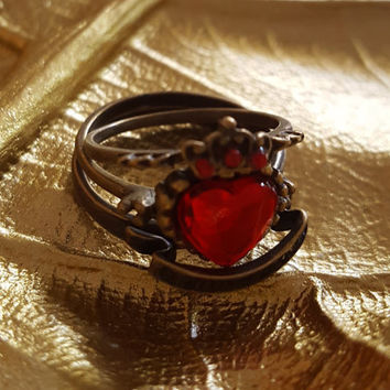 Vintage rings 3 pieces Crown Heart shape rings Red Rhinestone  Antique Gold/Bronze statement rings