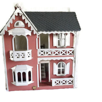 Estate Vintage 3 Story 5 Room All Painted Carpeted and Papered Wood DollHouse