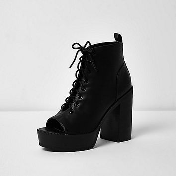 Black lace-up platform heel shoe boots